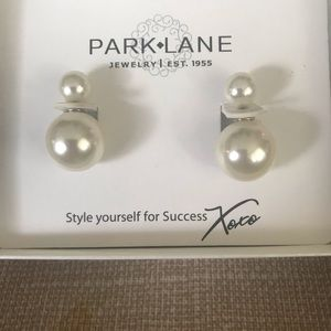 Double pearl earring new in box